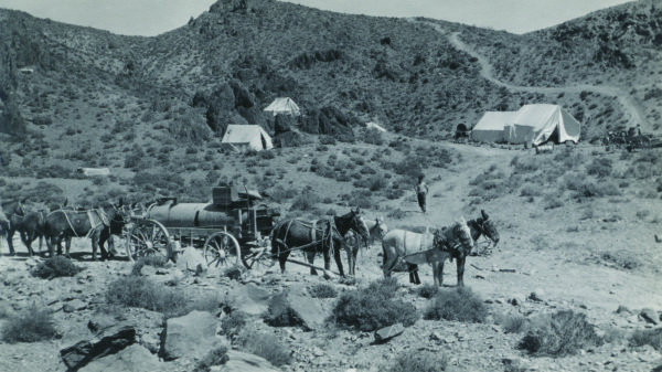 single men in cerro gordo Cerro gordo was once a lively mining town  only 10 men were employed in the mines  the tumbleweed town has been owned by members of a single family.